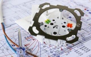 Instalacje elektryczne system bezpuszkowy