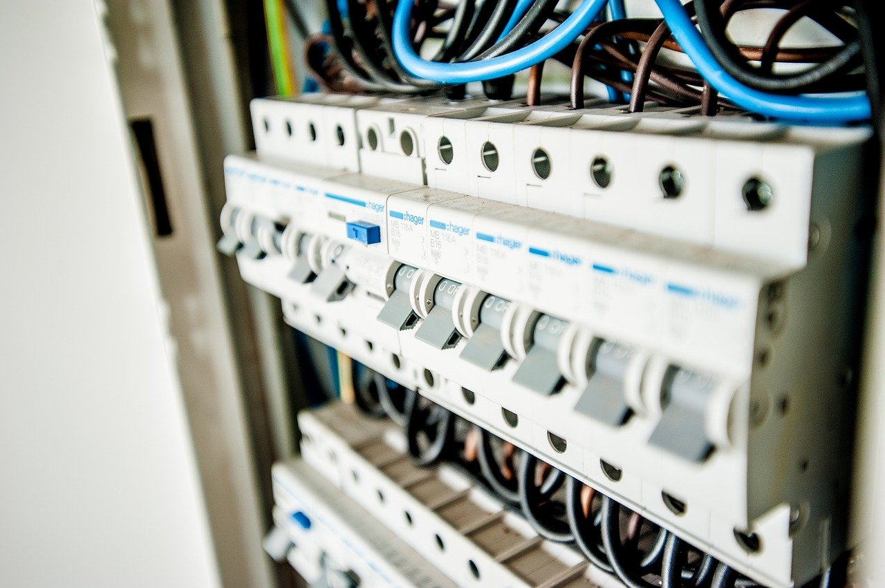 Przegląd instalacji elektrycznej w mieszkaniu